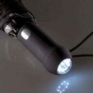 Griff eines Regenschirms mit integrierter LED Leuchte
