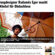 Regenschirme werden zu Mänteln für Obdachlose