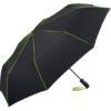 schwarzer Taschenschirm mit limette-farbenen Keilnahtpaspeln