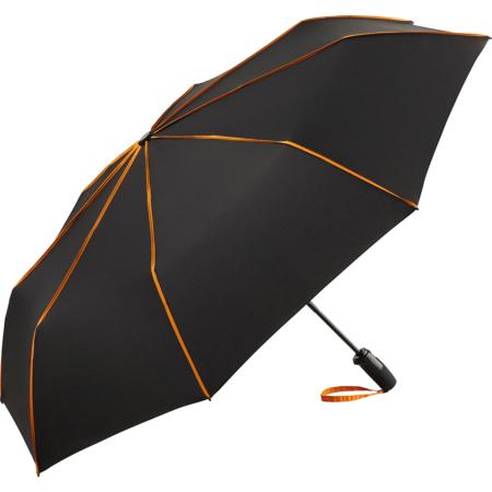 Taschenschirm mit orangenen Keilnahtpaspeln
