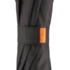 Schliessband eines schwarzen Taschenschirms mit orange-farbener Applikation
